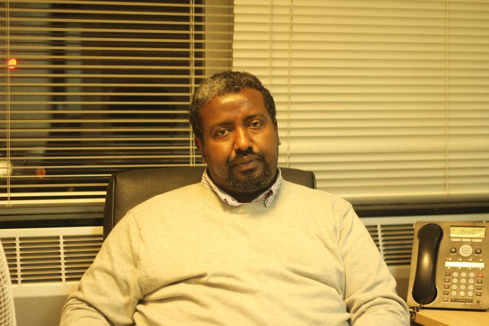 SIYAASADA GEESKA AFRIKA IYO XALKA SOMALIYA UBAAHANTAHAY IYO BAAQ KU SOCDA RAYSALWASAARE CUMAR C C SHARMAARKE.