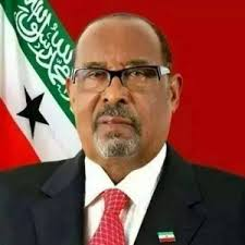 Madaxweynaha Somaliland Oo Tacsi U Diraya Qoyska Marxuum Sheekh Cumar Sheekh Axmed FurreJune 26, 2017